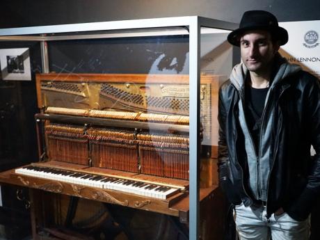 Imagine: Paris pianist pays tribute to John Lennon