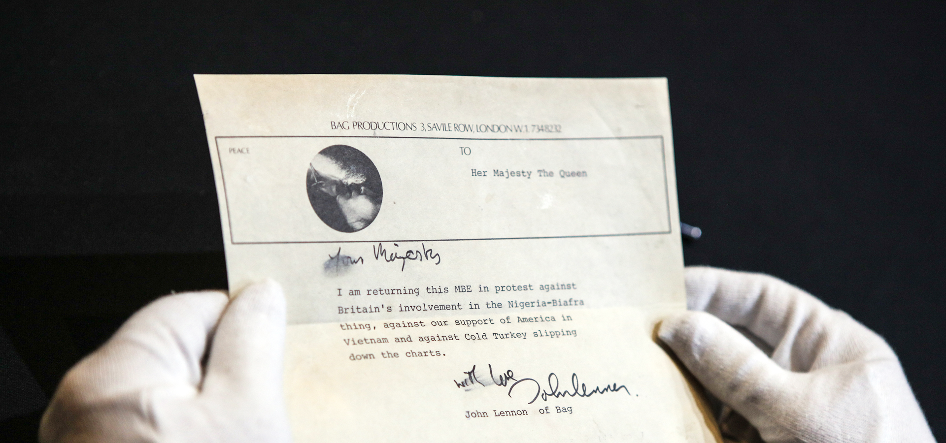 Lennon of Bag: Letter to The Queen goes on display