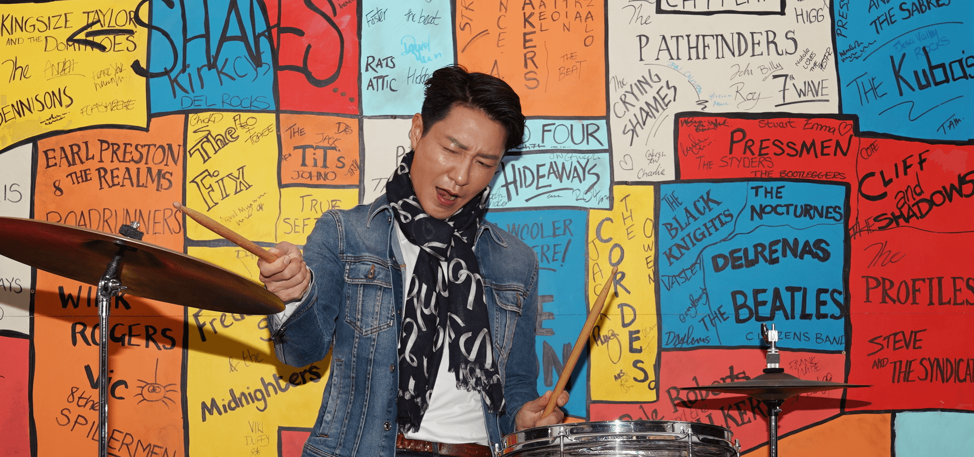 Zonghan Li: Chinese actor visits The Beatles Story