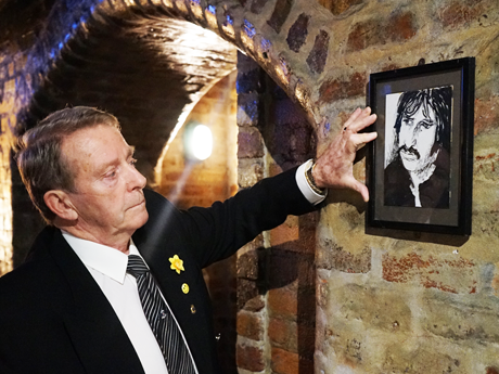 Ringo Starr: Painting rescued from the Cavern Club