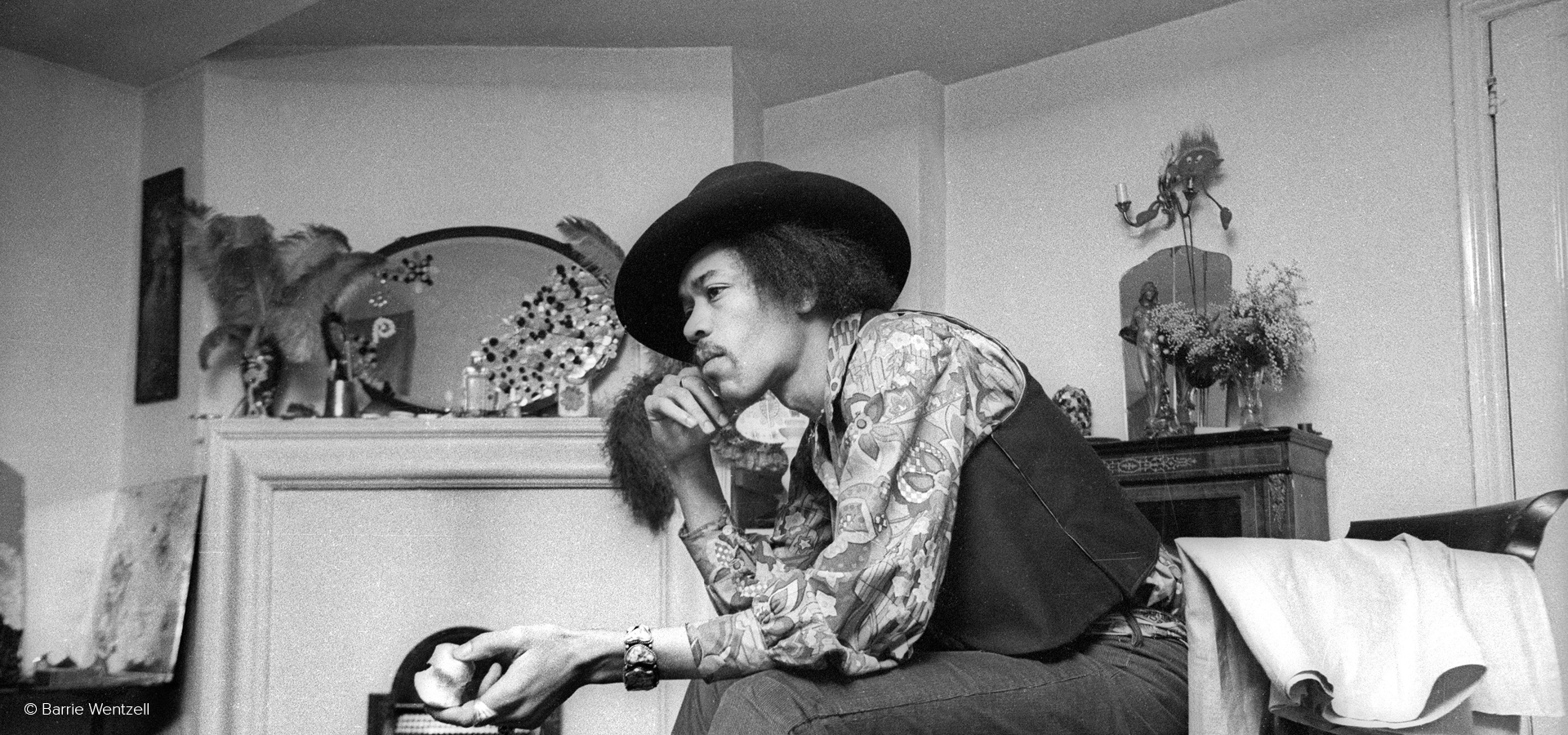Jimi Hendrix: the Sgt Pepper experience